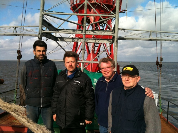 Sietse, Bart Surlee (Waddenzee presenter), Herry & Chris on the back deck.